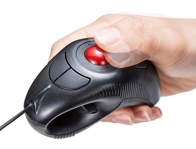 親指でボール操作