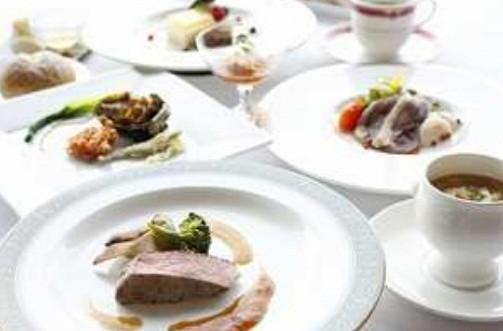 地元食材が堪能できるディナー (イメージ)