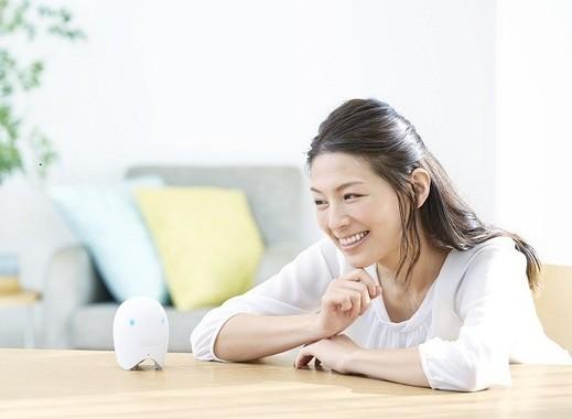 コミュニケーション機能を備え、自宅で「英語で話す」習慣を身につけられる