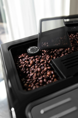 「挽きたての豆から味わえる」フルスペックモデル