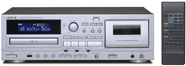 CD・カセット・USBメモリーの1台3役