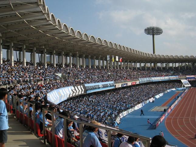 川崎フロンターレのホーム、等々力陸上競技場(Wikimedia Commonsより)