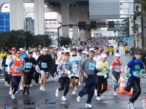 東京マラソンのランナーたち(写真は2007年大会時)