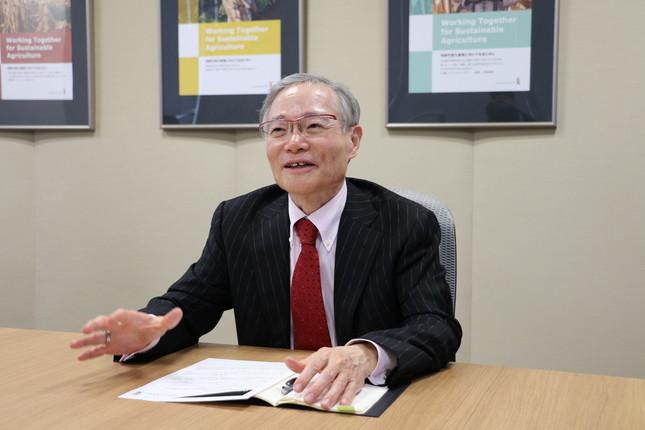 取材に答える日本モンサント・山根精一郎社長