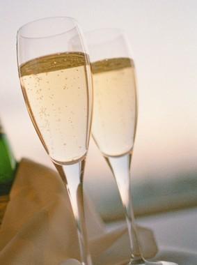 「シャンパンの帝王」とも言われる「クリュッグ」を楽しみながら