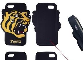 本体より幅ひろな「猛虎」マーク...iPhone 7/6s/6対応「阪神タイガース」シリコンケース