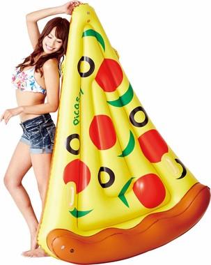 美女とピザ