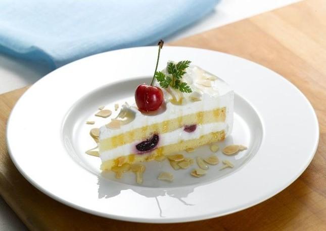 「佐藤錦&ダークチェリーのショートケーキ」