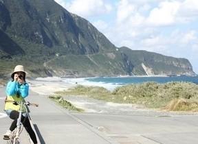 「さるびあ丸」で行く新島&式根島ツアー2泊3日 電動折り畳み自転車がレンタル可能