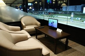 川崎日航ホテル、川崎競馬ナイター観戦宿泊プラン発売 コースを一望できる貴賓室席付き