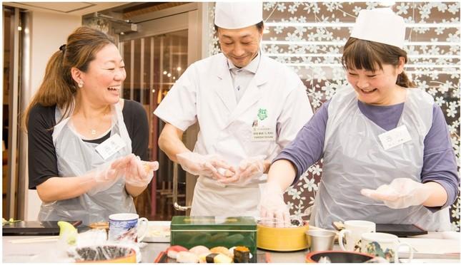 握って食べて、和食文化に触れられる