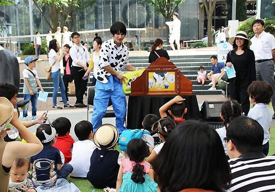 吉田さんと共演した須藤さんは紙芝居も