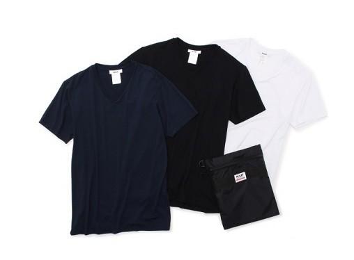 消臭機能のTシャツとポーチがセットになったトラベルキット
