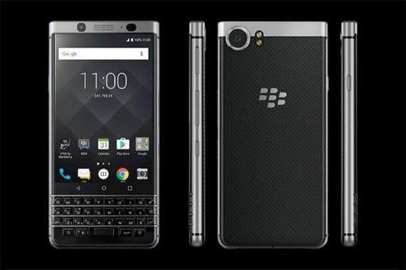 物理キーボードの「BlackBerry」が最新OSを携えた
