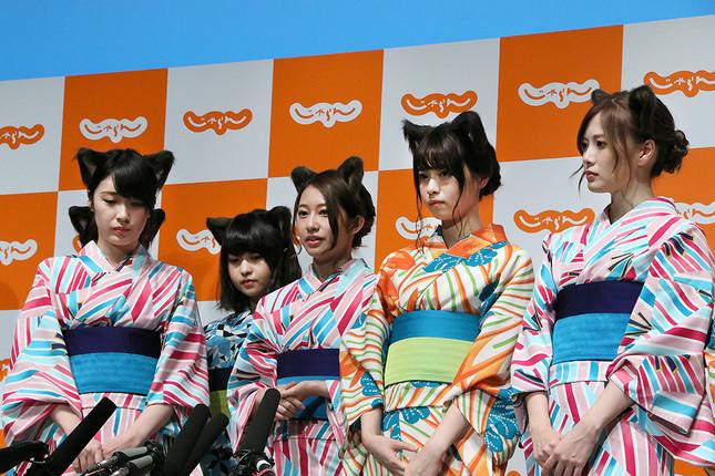 欅坂46発炎筒事件を語る桜井さん(写真中央)