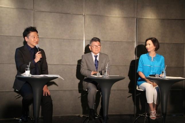 (左から)司会を務めたジャーナリスト・堀潤氏、佐々木常夫氏、インディード社イエミントン圭見氏