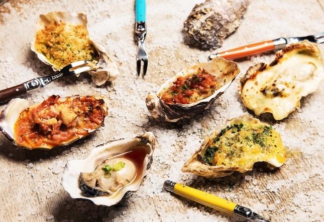 ワインに合わせていろいろな味の焼牡蠣から選ぶのも楽しい