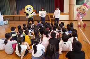 子どもに鍵の大切さを知ってもらいたい 美和ロックの防犯教室、全国の小学校で開催中