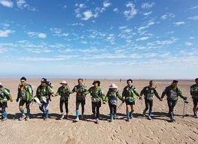視覚障がい者が砂漠250キロをみごと完走!