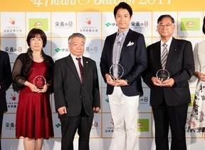 8月4日は「栄養の日」 6人のパパのイクメン、谷原章介さんが初受賞!