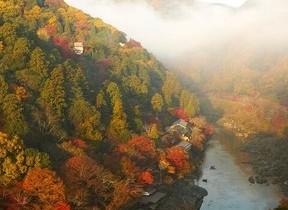 星のや京都、京の街並みや紅葉を空から眺める「紅葉ヘリクルーズ」開催 1日1組限定