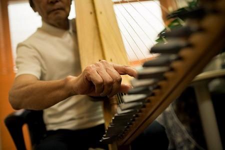 野原さんは、かつて弦楽器を扱う会社に勤務していた。ヴァイオリンの輸入や修理の仕事などで得た楽器の知識が役立っている。