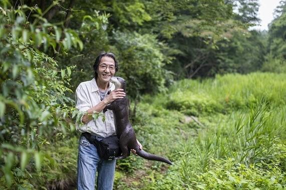 手作りのニホンカワウソのフィギュアを持って、嬉しそうに語る熊谷さとしさん。 8月21日(月)夜、TBSラジオ「荻上チキ・Session-22」に緊急生出演した。 https://www.tbsradio.jp/174826