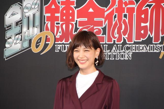 興奮した様子で「鋼の錬金術師」の魅力を語った本田翼さん(2017年9月14日撮影)