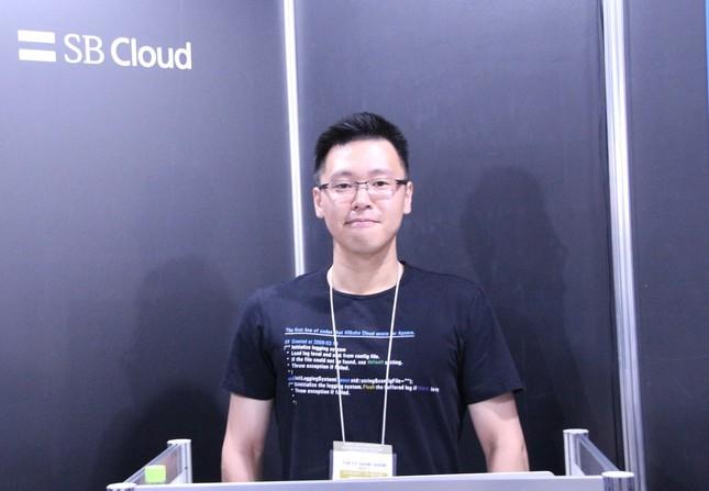 Alibaba Cloud Japan Service・新妻氏(写真は「東京ゲームショウ2017」での講演時)