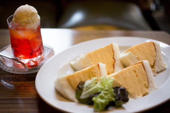 「マドラグ」の「玉子サンド」(写真提供:観光情報サイト「ぐるたび」)