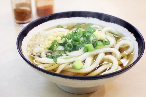 「普段よく食べる麺」、うどんがトップ