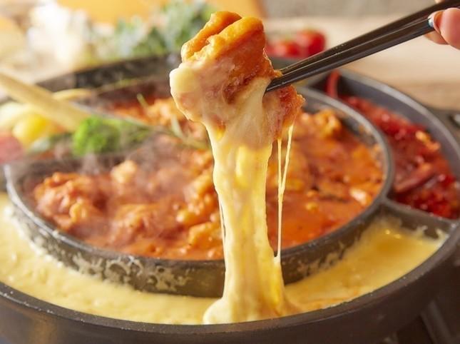 とろーりとチーズが伸びる「イタリアンチーズタッカルビ」