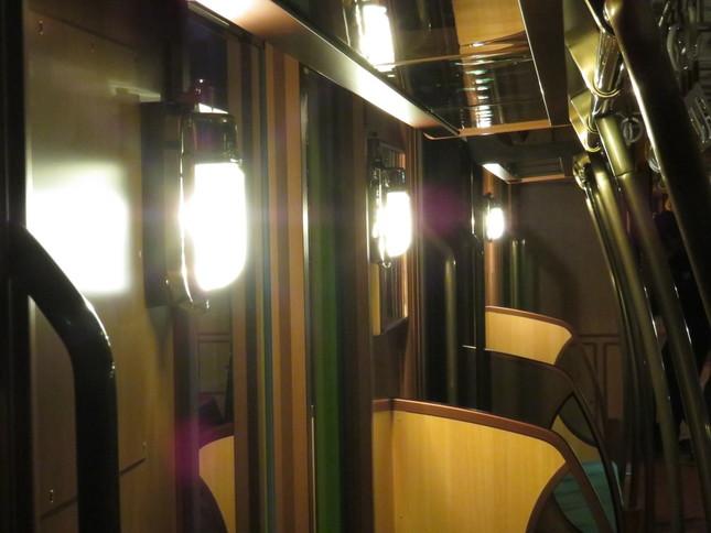 室内予備灯(点灯時)