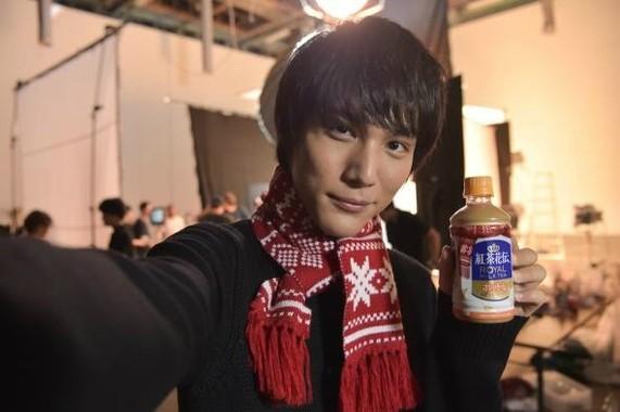 中川大志さんも写真撮影に挑戦し…