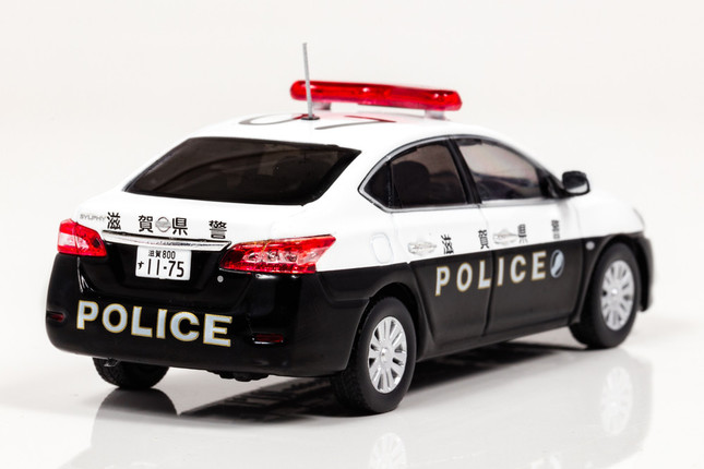「日産シルフィ 2013滋賀県警察所轄署地域警ら車両」