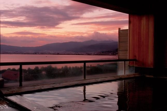 温泉で体調を整えるのは日本の伝統