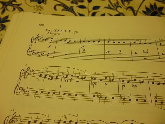 第32番目の変奏曲は、晩年のベートーヴェンが凝ったフーガ形式で書かれている