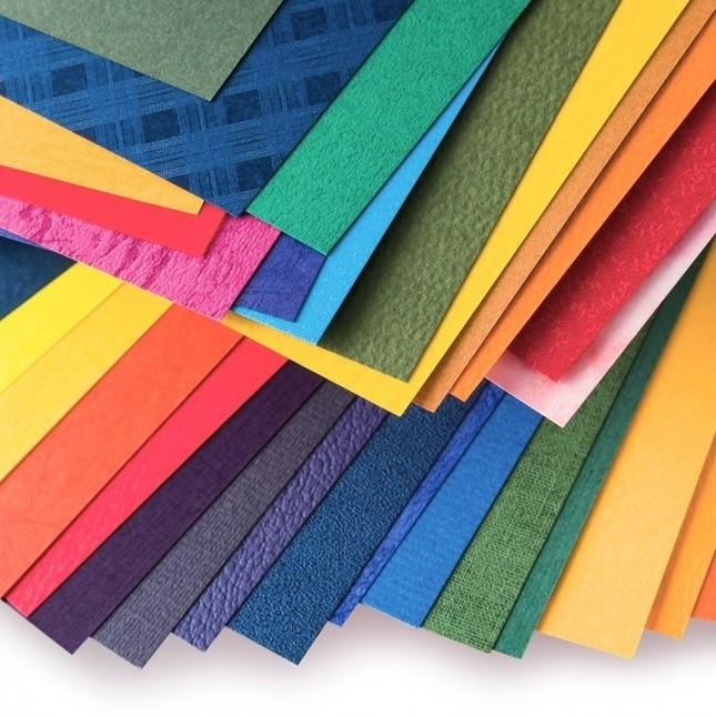 「紙の専門商社 竹尾が選ぶ 500種類の紙セットの会」