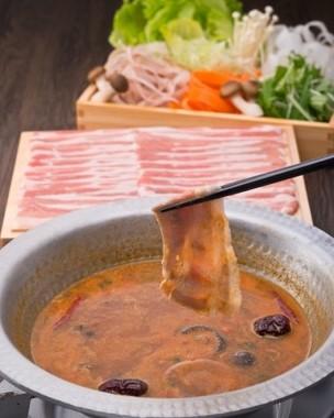 KaRaKoの豚辛しゃぶ鍋