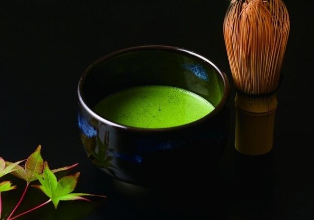 茶の湯の聖地で楽しむ抹茶カクテル