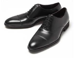 クッション性と高反発性を併せ持った高機能素材を搭載した革靴!