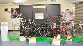 多数のオーダーメイド自転車が展示