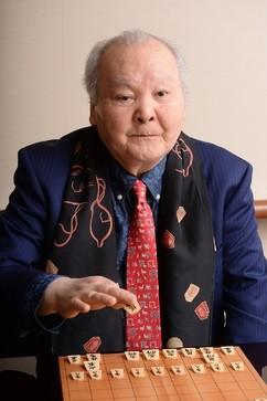 「ひふみん」監修の将棋ゲームが発売