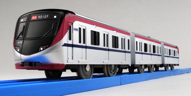京王線を走る新型車両がプラレールで登場