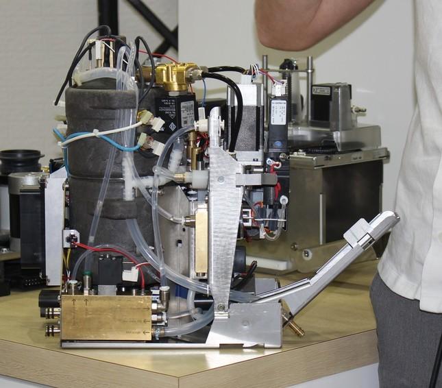 マット氏が一番好きだというモジュール。ミルクを作る際にスチーミング、空気の混合を同時にやってくれるのだという。