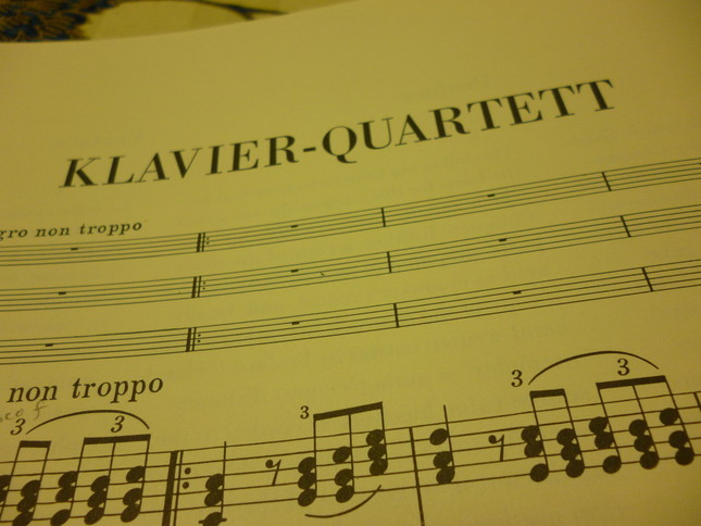ウィーンの演奏会で、自身のピアノで演奏された「ピアノ四重奏曲 第2番 Op.26 イ長調」の楽譜
