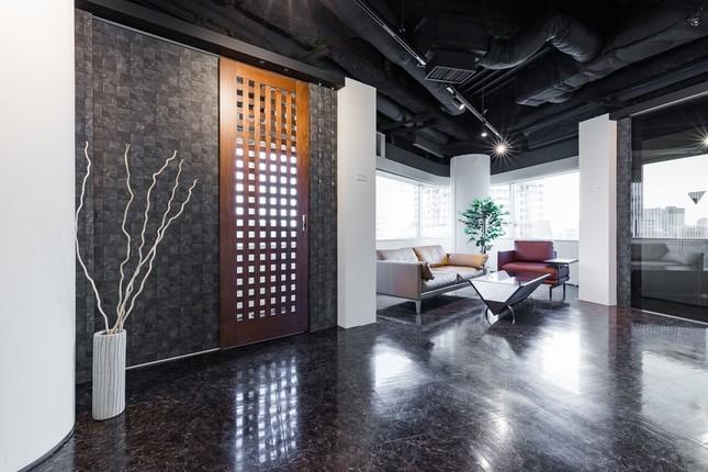 神谷が提供する「日本一カッコいい格子ドア」