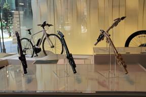 「2つのヤマハ」が展示会「Breezin'」開催 両社の技術が合体、近未来的な新商品