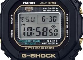 G-SHOCK35周年記念限定モデル 初代カラーのブラック×ゴールドを採用
