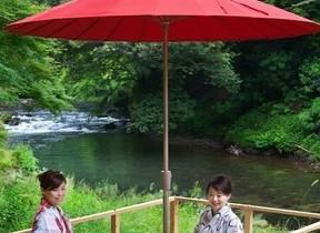スイーツ、川床、散策用おにぎりとおもてなしいっぱい 北陸・山中温泉の宿泊プラン